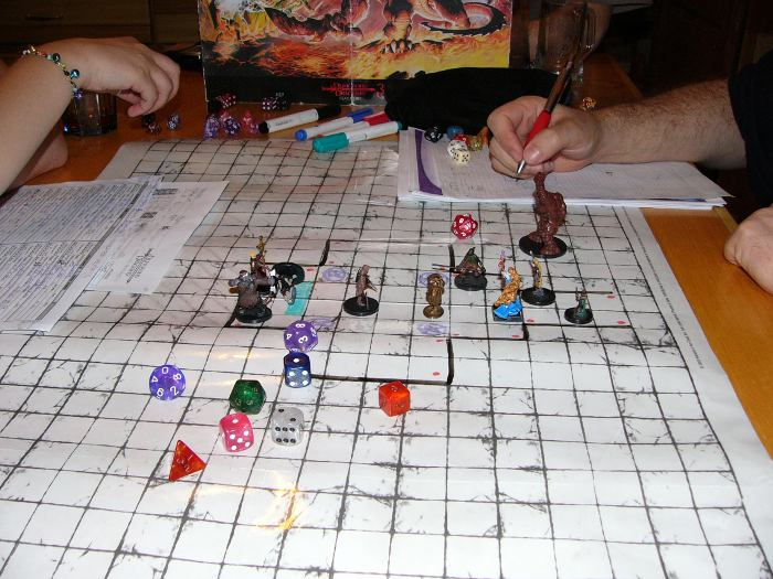dungeons-dragons-miniature
